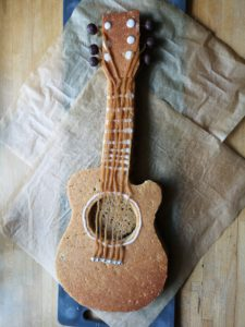 Corona-kage-guitar